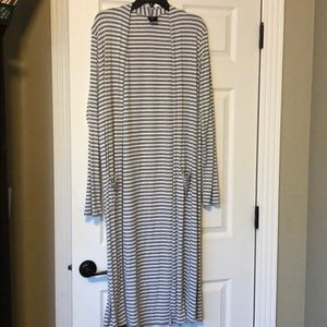 XL Agnes and Dora stripped duster. Near new
